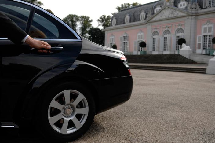Chauffeur Service Little Neck NY